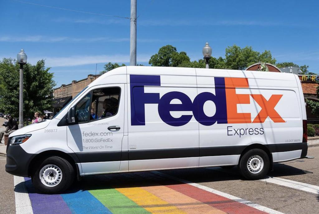 FedEx becomes official sponsor