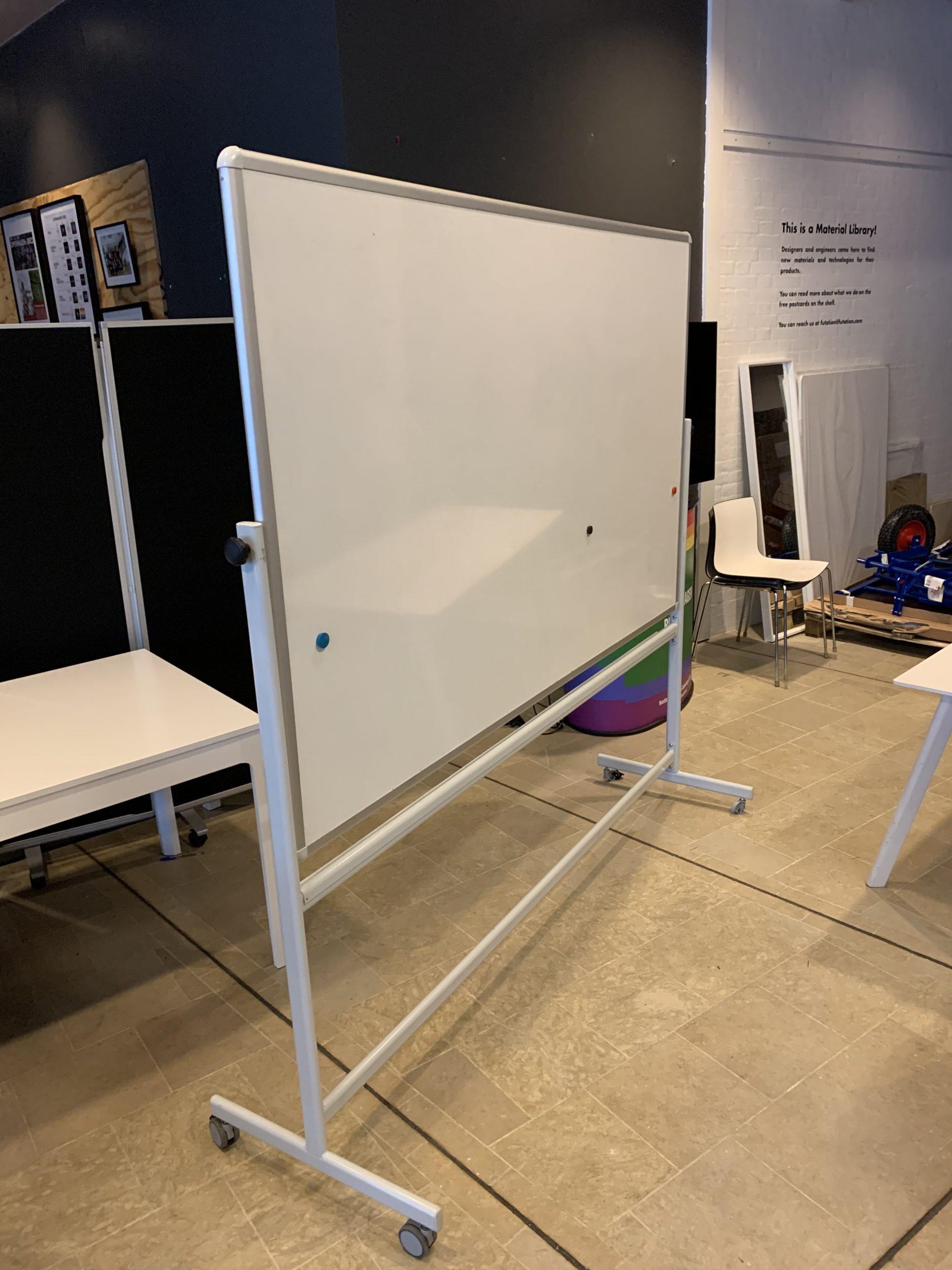 a-series whiteboard, 200x200x65cm